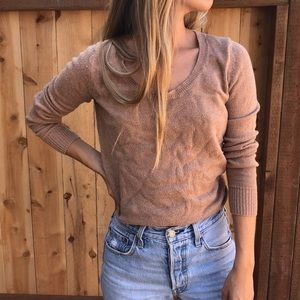Scoop neck tan sweater. Size: Xs. Brand: Old Navy
